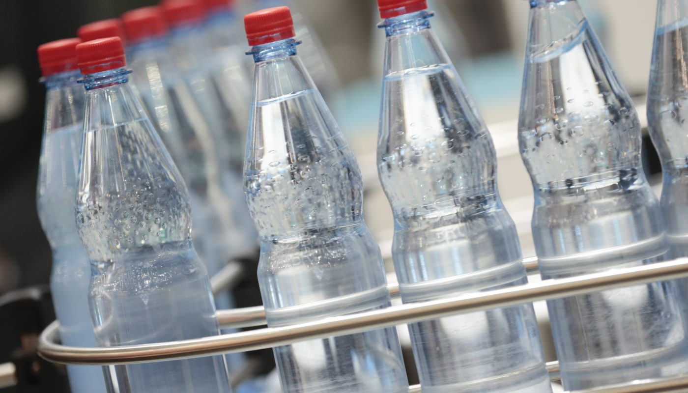 Der Bereich der Getränkeverpackungen und -prozesse ist ein wichtiger Bestandteil der interpack 2020. Einen Schwerpunkt bildet die Halle 13. Foto: Messe Düsseldorf, Constanze Tillmann