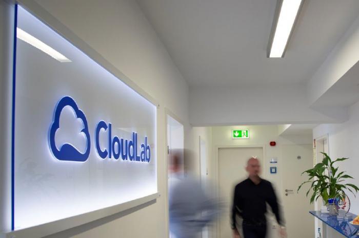 CloudLab baut Distributoren-Netz aus